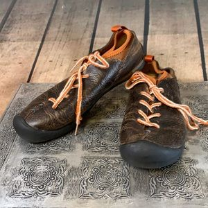 Keen Leather Tie Up Distressed Shoes Size 7